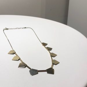 Jewelry - Simple Gold Statement Necklace